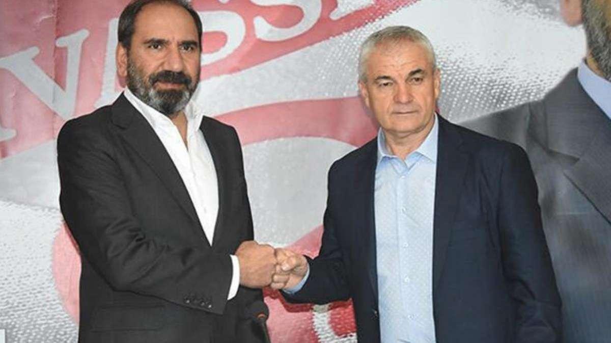 Beşiktaş'ın gündemine gelen Rıza Çalımbay ile Sivasspor sözleşme tazeledi
