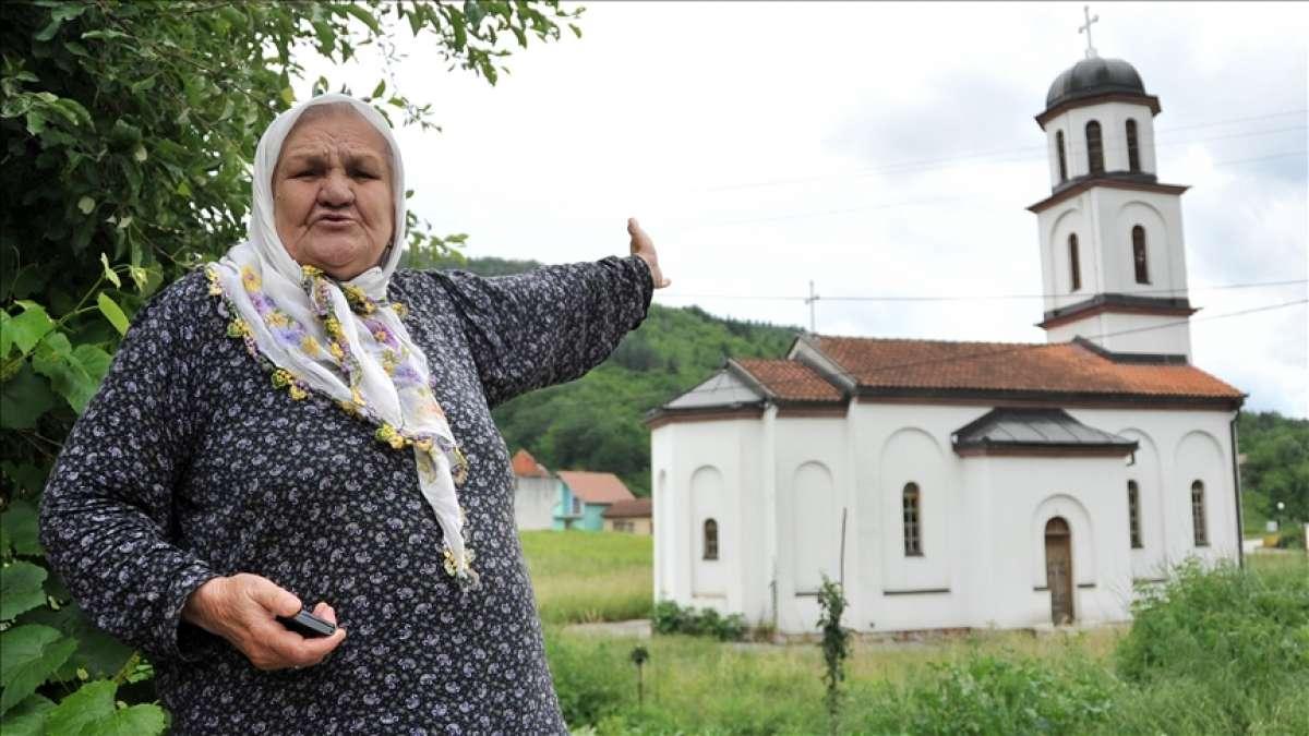 Boşnak nine Orloviç'in bahçesine izinsiz yapılan Ortodoks kilisesi yıkıldı