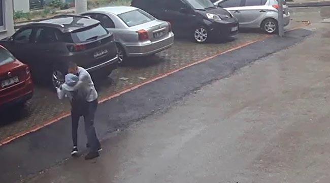 Bursa'da güpegündüz kadınlara taciz kamerada