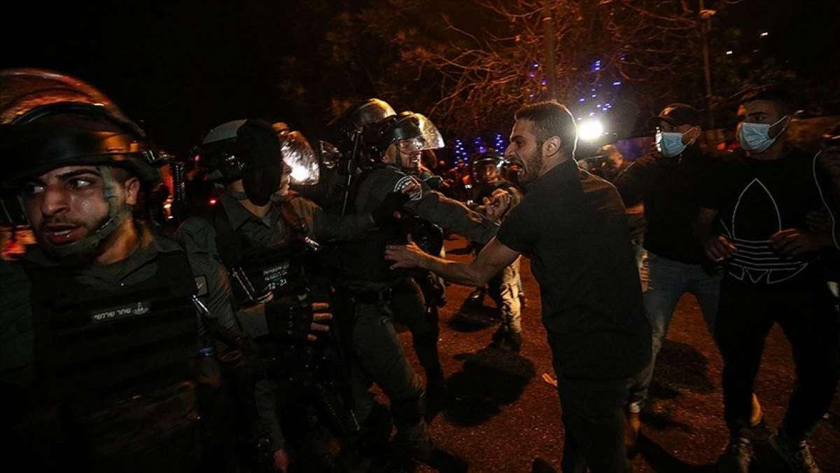 İsrail polisi, Kadir Gecesi öncesi yüzlerce Filistinlinin Kudüs'e ulaşmasını engelledi