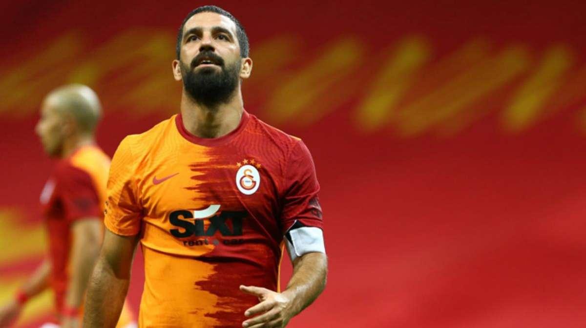 Ligin yeni ekibi Altay, G.Saray'da sözleşmesi biten Arda Turan'a kaptanlık teklifi yaptı