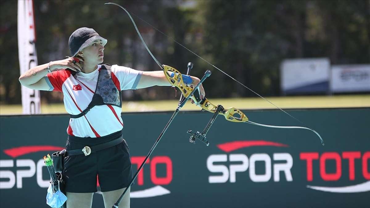 Milli okçu Yasemin Ecem Anagöz, altın madalya için olimpiyatlara gidecek