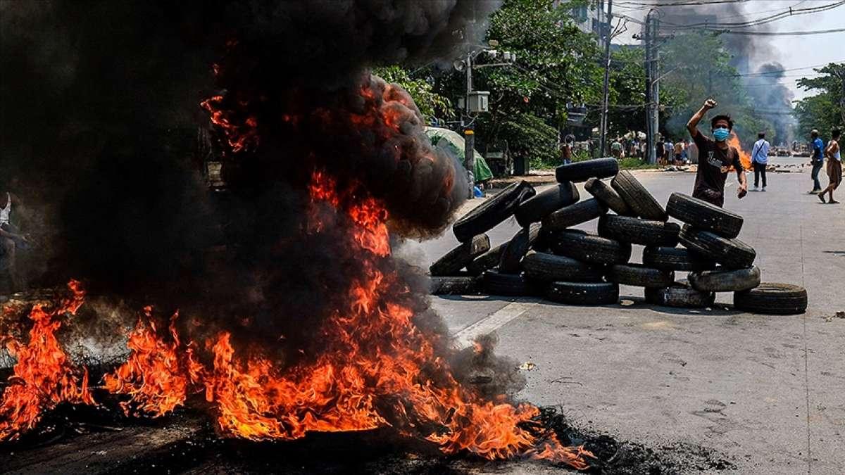 Myanmar'ın Chin eyaletinde isyancılar polis karakolunu ateşe verdi