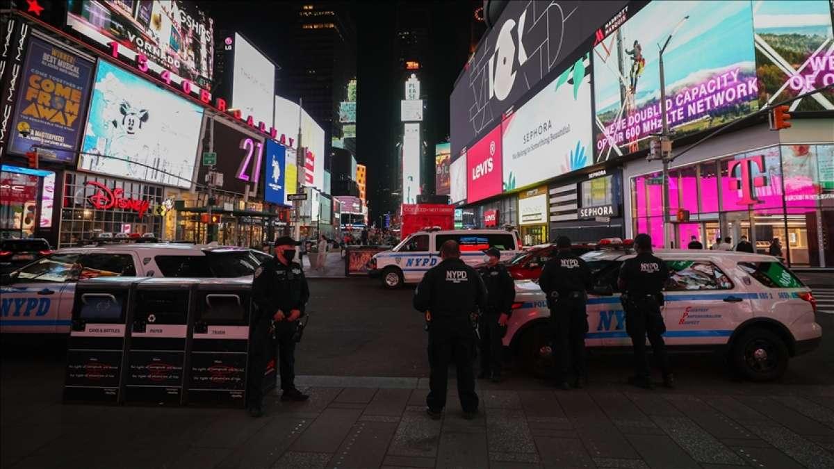 New York'ta Times Meydanı'ndaki silahlı saldırıda 4 yaşındaki çocukla iki kişi yaralandı
