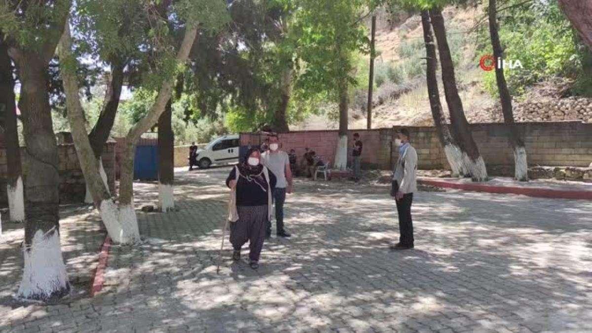 Gaziantep'te iki mahallede muhtarlık seçimi yapıldı