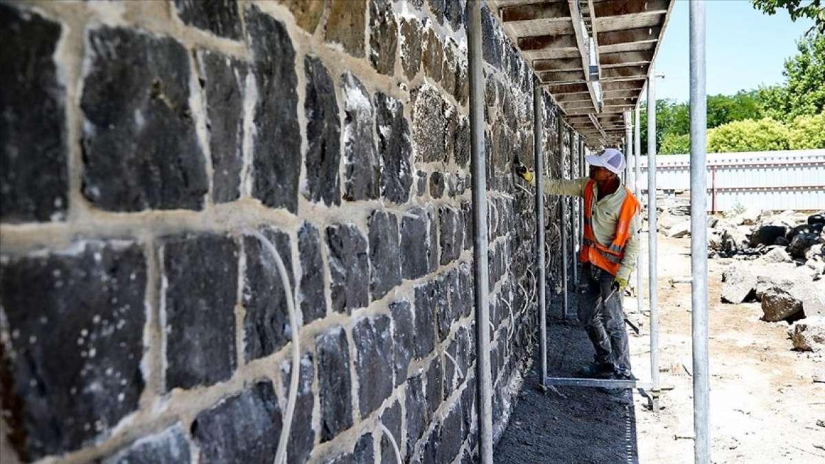 Tarihi Diyarbakır Surları, restorasyonda kullanılan bazalt çubuklarıyla daha da sağlam olacak